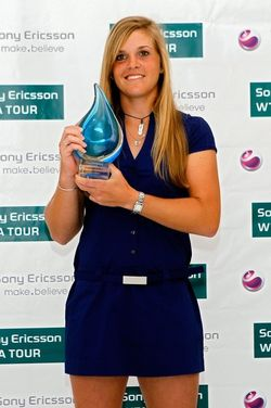 Melanie Oudin SEWTA.10 Award g