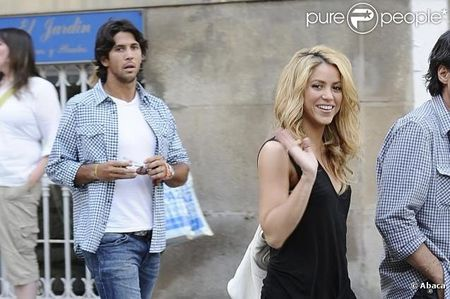 Fernando Verdasco Hangs with Shakira 1