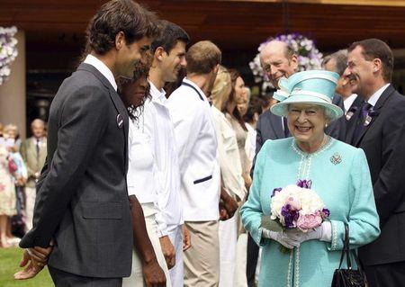 4 Roger Federer Meets Queen 2