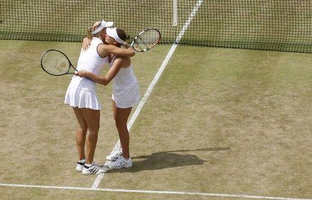 Vera Zvonareva Elena Vesnina Qf Win Wimbledon.10 r