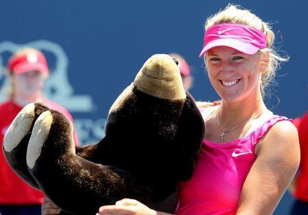 Victoria Azarenka Wins Stanford.10 g