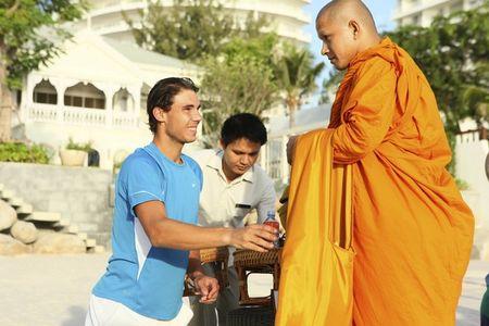 Rafael Nadal Bangkok.10 Monks 3