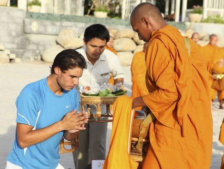 Rafael Nadal Bangkok.10 Monks 4