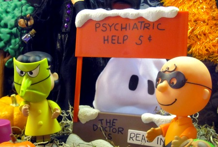 Copy of Peanuts Halloween Display 3