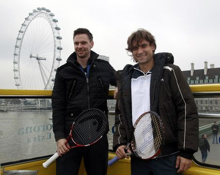 David Ferrer Robin Soderling London O2.10 Double Decker Tour 2 g