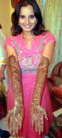 Sania Mirza Henna Arms
