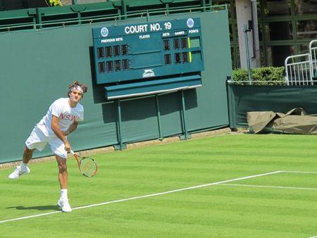 Roger Federer Practices Wimbledon.10 fb