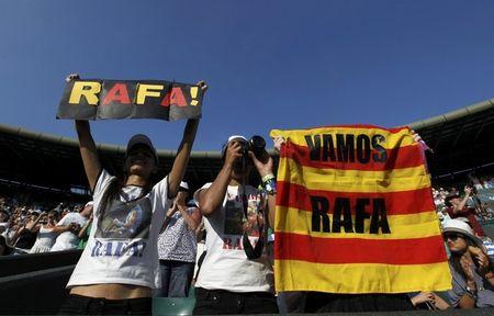 Rafael Nadal Fans at 4th R Win Wimbledon.10 r