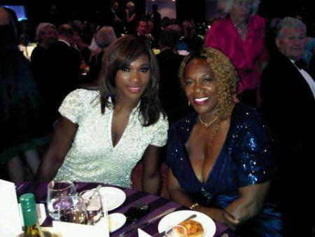Serena Williams and Oracene Wimbledon.10 Ball