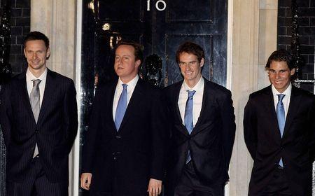 London O2.10 Finalists Visit 10 Downing 3
