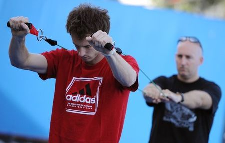 Andy Murray AO.11 Exercising g