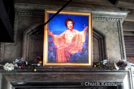 Copy of Elizabeth Taylor at the Abbey 1