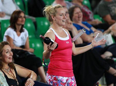 Bethanie Mattek-Sands Hopman Cup.11 Wine g