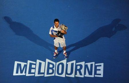 Novak Djokovic AO11 Trophy Melbourne g