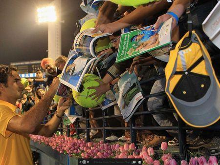 Roger Federer Dubai.11 Autographs