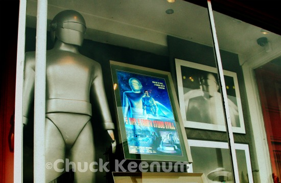 Day the Earth Stood Still - Store Front - Lens Angeles