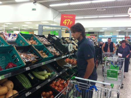 Rafael Nadal Wimbledon.11 Grocery Shopping fb