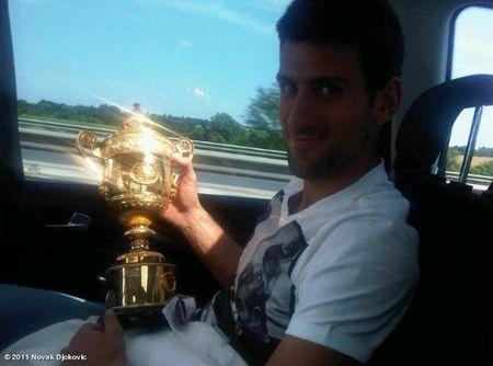 Novak Djokovic Wimbledon.11 w To-Go Trophy