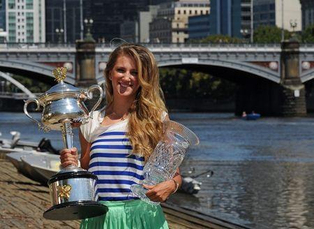 Victoria Azarenka AO.12 Trophy Shoot g