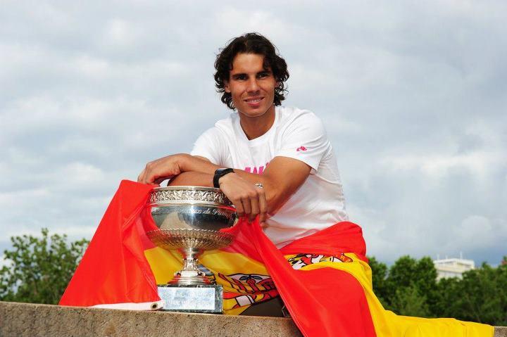 Rafael Nadal Roland Garros 2012 Trophy at Eiffel Tower 2