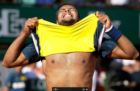 Jo-Wilfried Tsonga French Open 2013 Quarterfinal Win Shirtless