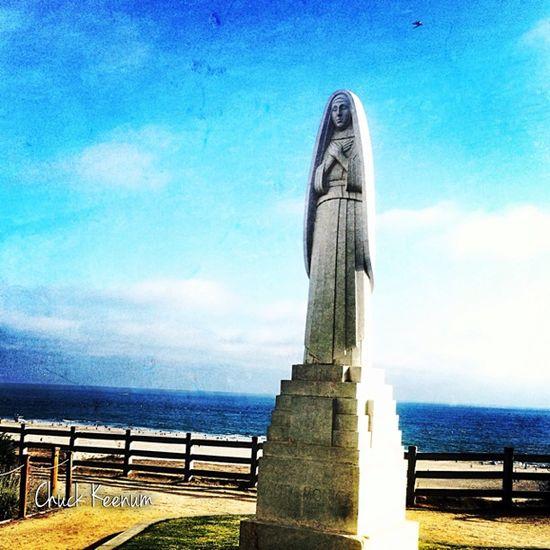 Santa Monica Statue - Lens Angeles