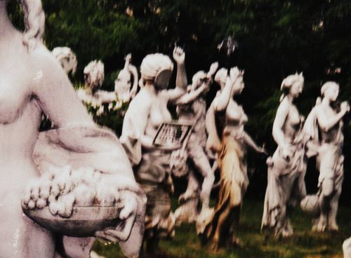 28 Statue Graveyard 2