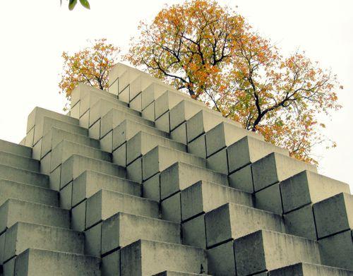 27 Smithsonian: Sculpture Garden 2