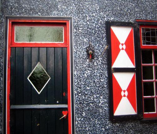 25 Volendam House