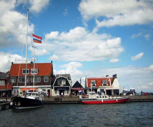 26 Volendam Port