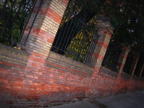 30 - Brickwall