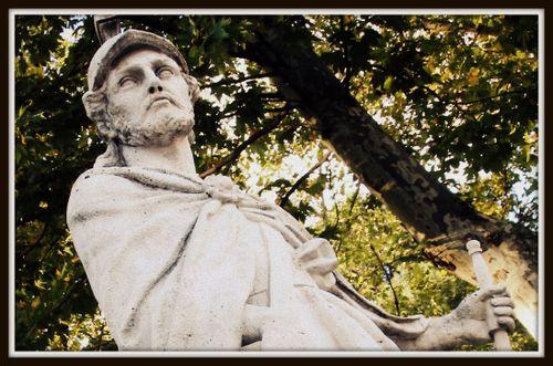 06 - Palace Statue