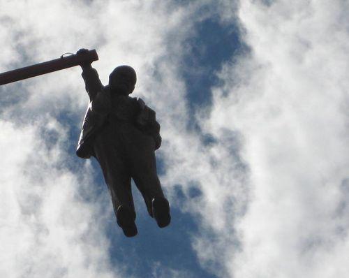 09 Hanging Man