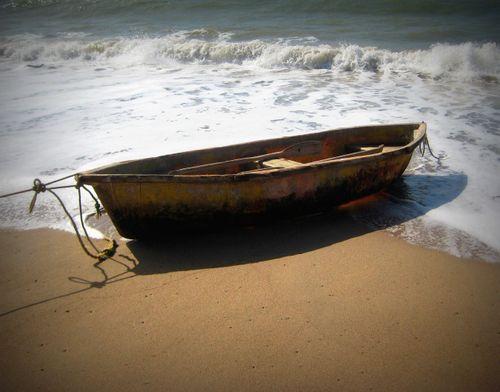 02 Boat Ashore