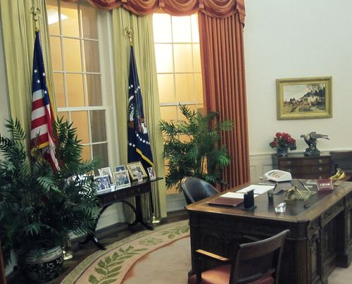 04 Oval Office