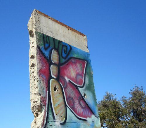 16 Berlin Wall