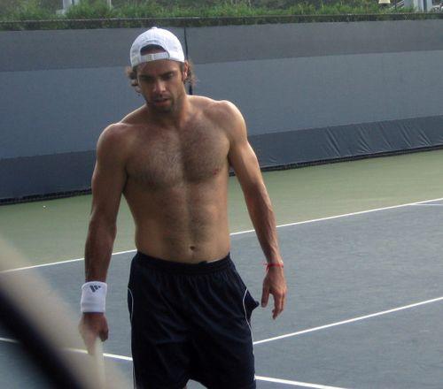 27 Fernando Gonzalez